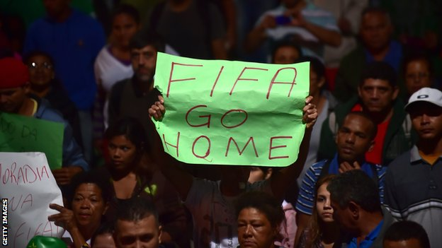 On 4 June in Sao Paulo, members of social movements took part in the so-called 'World Cup without the people, I'm in the street again' protest against the World Cup