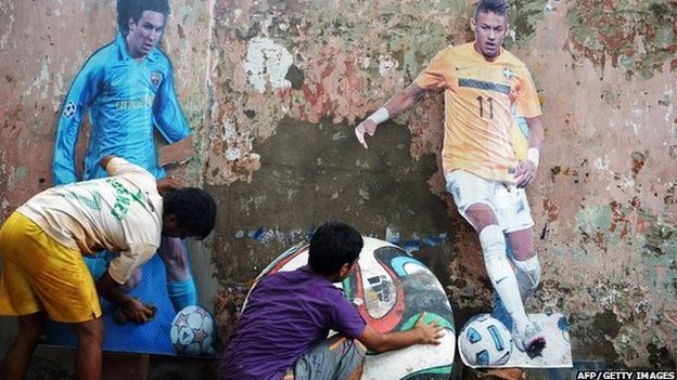 Indian kids create World Cup wall art