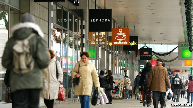 Shoppers and shops in Warsaw, 2011