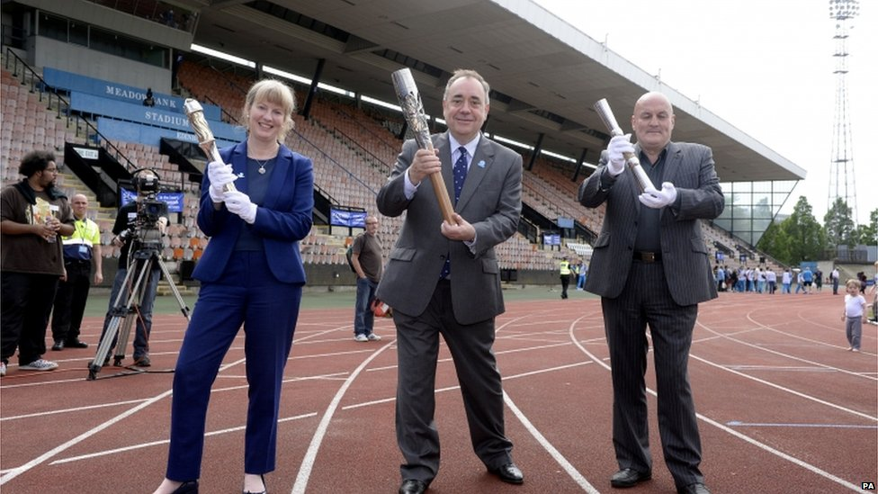 They are being paraded at Meadowbank by Shona Robison MSP, First Minister Alex Salmond and Councillor Steve Cardownie.
