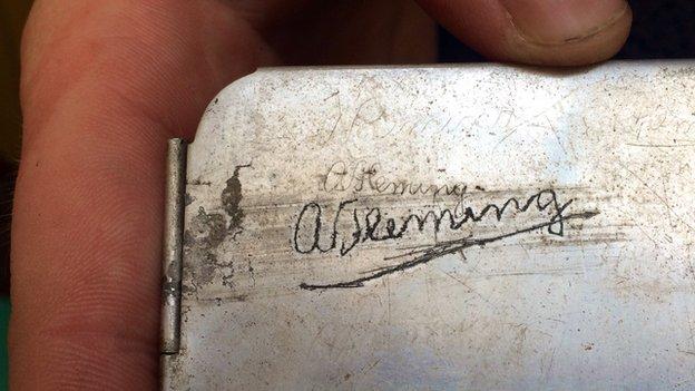 Alexander Fleming's metal tin