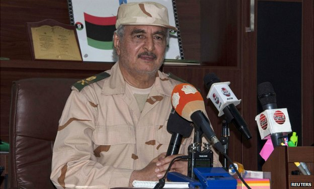 Gen Haftar at a press conference in Benghazi - 4 June 2014