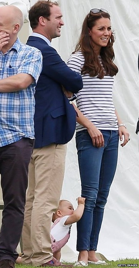 Prince George scratches Duchess of Cambridge's knee