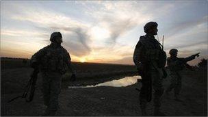 US soldiers patrol near Baquba