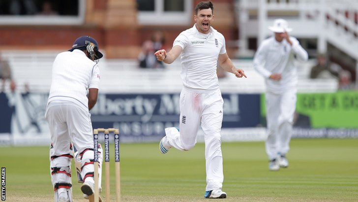England's James Anderson removes Mahela Jayawardene