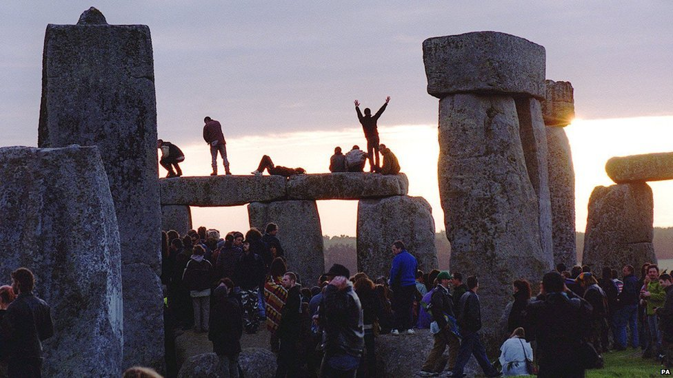 A large number of people converged on the site in 1999 to view the sunrise, during the celebration of the summer solstice