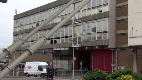Disused sorting office at East Croydon