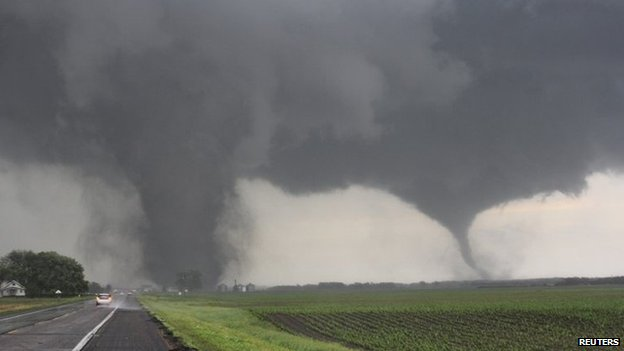 Two tornadoes touch down near Pilger, Nebraska 16 June 2014