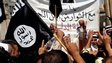 Demonstrators shout slogans in support of the Islamic State in Iraq and the Levant (ISIS) in Mosul (16 June 2014)