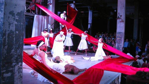 Performance of Carmen Jones in Havana in June 2014