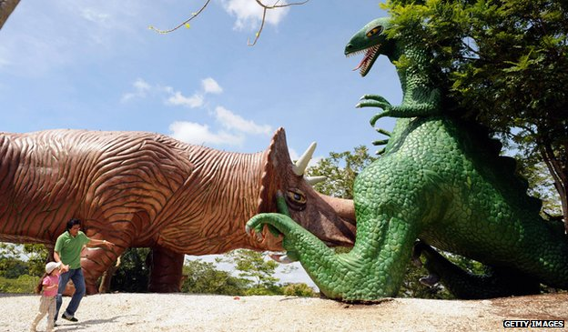 The giant dinosaurs at Hacienda Napoles