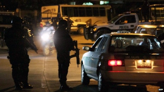 Police check a car in the state of Veracruz. 15/05/2014