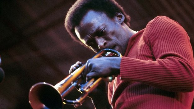 Photo of Miles DAVIS, performing live onstage  at the Isle of Wight festival