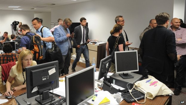 Journalists gather at Wprost magazine (18 June)