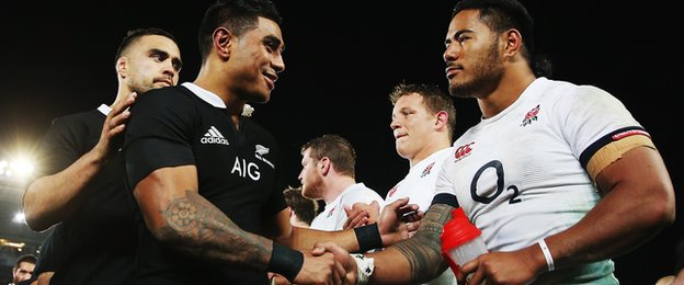 Malakai Fekitoa shakes hands with Manu Tuilagi after the second Test