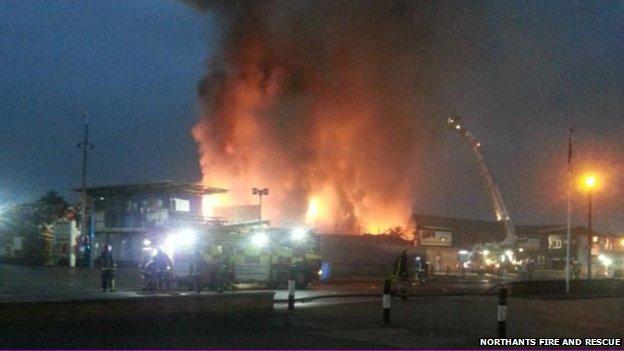 Harvey Reeves Road fire