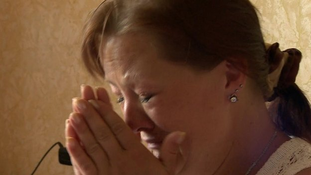 Alyona Slastina who left Sloviansk. She is pictured crying