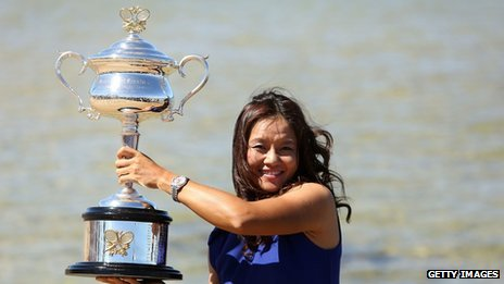 Li Na with the Australian Open trophy