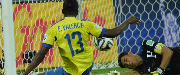 Enner Valencia draws Ecaudor level in their game against Honduras