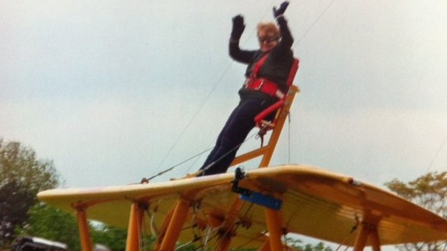 Barbara Watson wing-walking