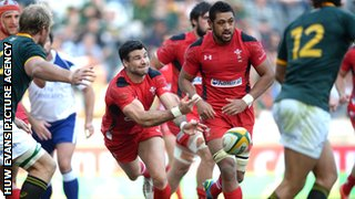 Mike Phillips and Taulupe Faletau