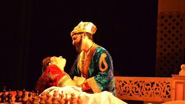A Twist On The Taj Mahal Story Talesalongtheway