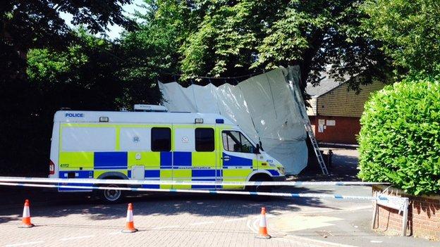 Police cordon on Millbrook Road East