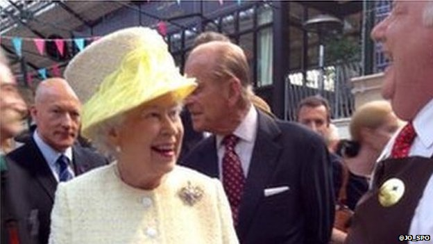 The Queen shared a joke with a trader during her visit to the market