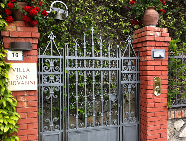 The gates outside Villa San Giovanni