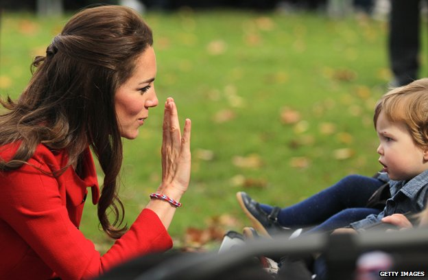 Duchess of Cambridge wearing loom band on recent trip to New Zealand
