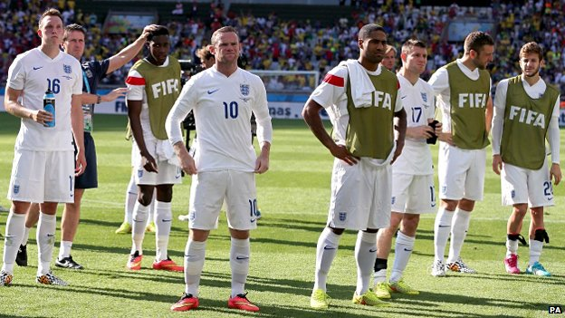 Englan's footballers after the final whistle against Costa Rica
