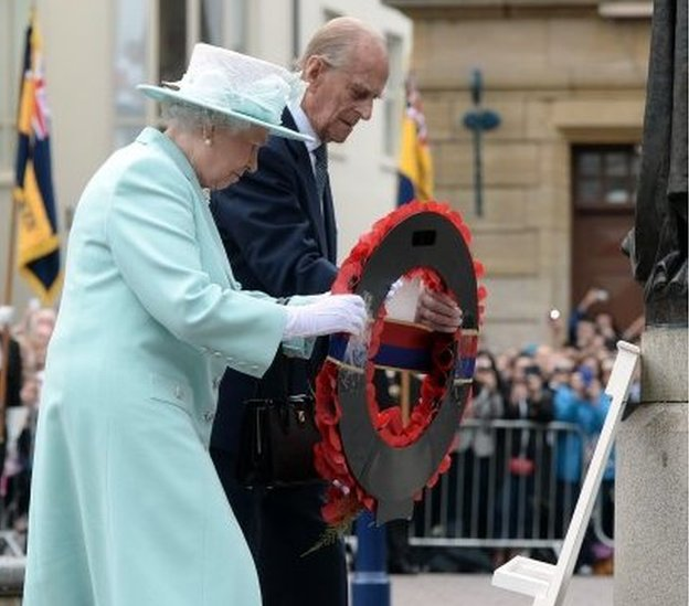 The Royal couple laid a wreath at the Cenotaph in Coleraine