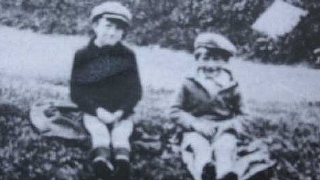 Laurie Lee and his brother Tony