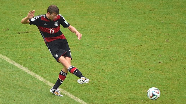 Thomas Muller curls Germany into lead over USA