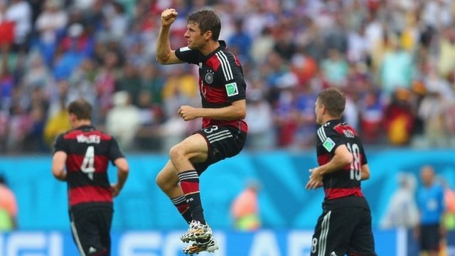 Thomas Muller gives USA the lead