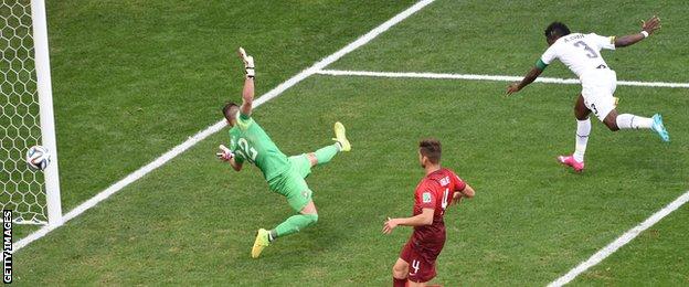 Asamoah Gyan scores equaliser