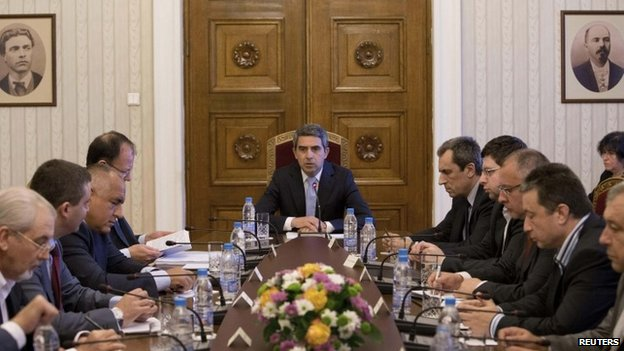 Bulgarian President Rosen Plevneliev (centre) speaks at crisis talks in Sofia. Photo: 29 June 2014