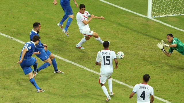 Papastathopoulos equalises in the last minute for Greece