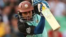 Sri Lanka batsman Tillakaratne Dilshan has signed for Surrey