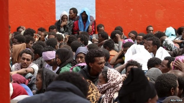 Migrants in Sicily (1 June 2014)