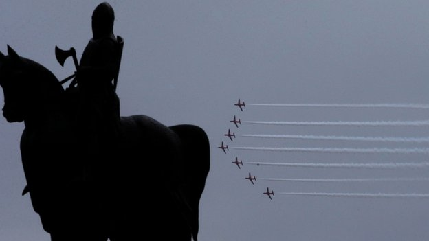 Red Arrows statue