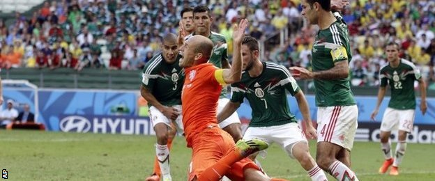 Arjen Robben is fouled for the decisive penalty