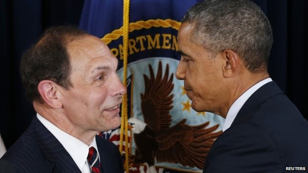 President Barack Obama announces his choice of former Procter and Gamble Chief Executive Bob McDonald (L), an Army veteran, as his nominee to be the next secretary of veterans affairs at the VA in Washington 30 June 2014