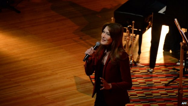 Carla Bruni on stage in Moscow (June 2014)