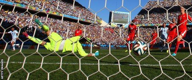 _75981356_a48aef4e-2216-4e55-adf5-ce78bf0650e9 - WORLD CUP 2014 - World Cup Football | Fifa Soccer