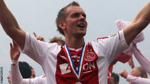 Siem de Jong joins Newcastle from Ajax