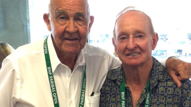 Mike Davies (l) and Rod Laver
