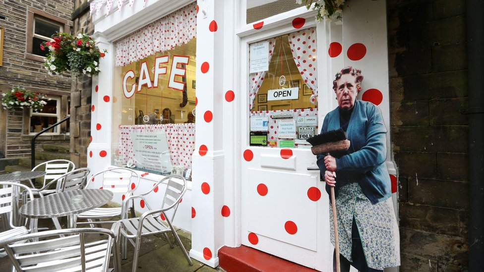 Sid's Café in Holmfirth, best known for its pivotal role in Last of the Summer of the Wine. To mark the occasion, the cafe has been decorated with the Tour's 'King of the Mountains' polka dots.