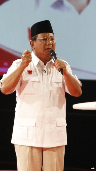 General Prabowo Subianto speaking in a televised debate