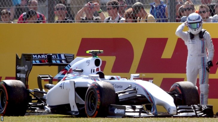 Susie Wolff leaves her stricken Williams